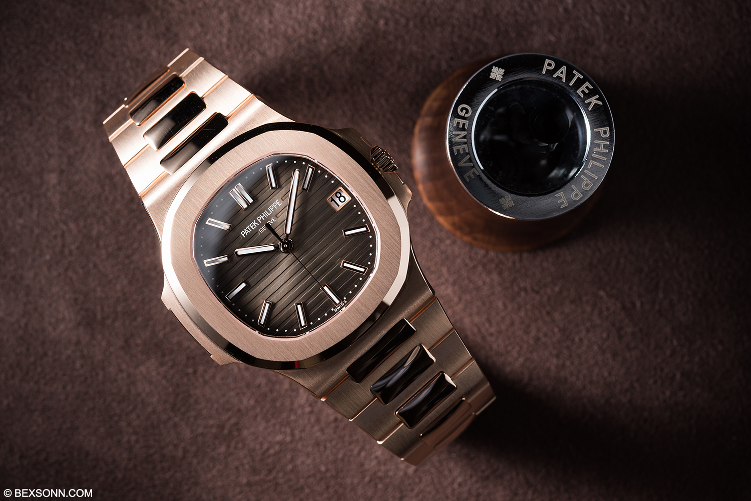 A Hands On Look At The New Rose Gold Patek Philippe Nautilus